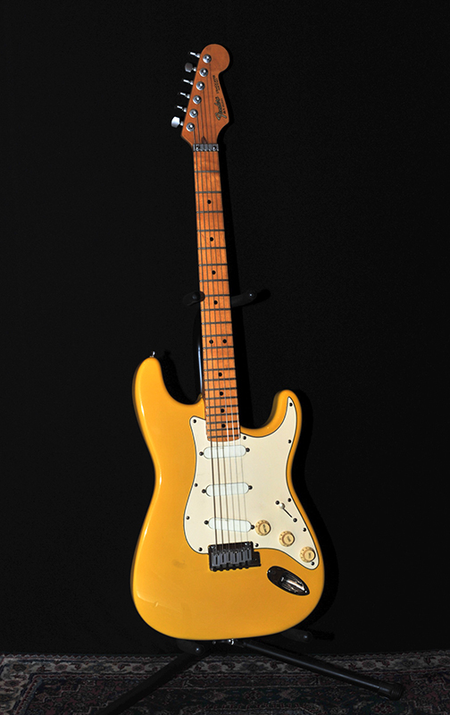 Stratocaster-Graffiti-Yellow